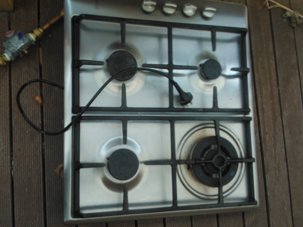 Disconnected gas stove